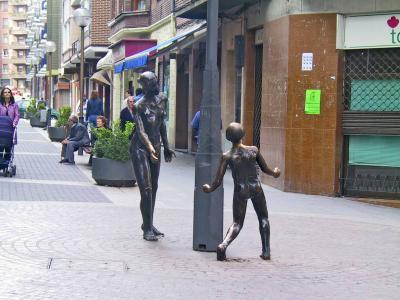 Escultura Madre e Hijo