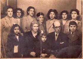 González Villafruela sendia 1945ean